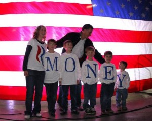 A photoshopped gag photo of Romney and his family that has gone viral on the Internet. (Source: theblaze.com)