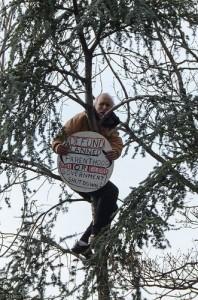 inauguration-tree-protester