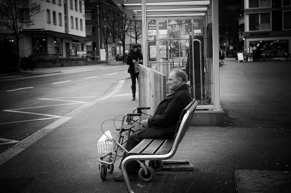 elderly-man-bench-retirement