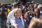 Hillary-Clinton-Iowa-retail-fair-voters
