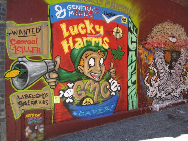 label-gmo-lucky-charms-cereal
