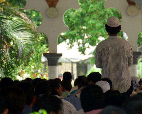 islam-muslims-praying
