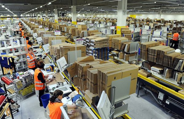 amazon-warehouse-employees-workers