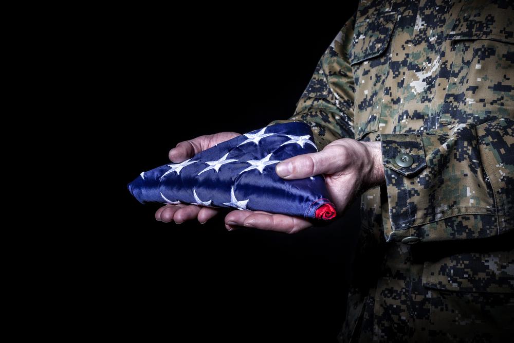 Chega de bandeiras dobradas: famílias militares falam contra a guerra no Afeganistão